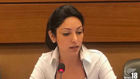 پاسخ دابرینا بت تمرز به ادعای برابری حقوق مسیحیان در ایران